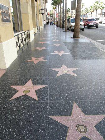 映画好きには最高の街、ロサンゼルス。ハリウッド ウォーク オブ フェーム。ロサンゼルス 観光・旅行の見所!