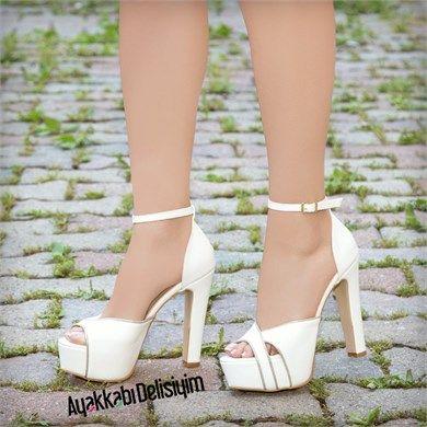 Sereno Beyaz Dore Kalın Topuklu Ayakkabı #white #heels #shoes