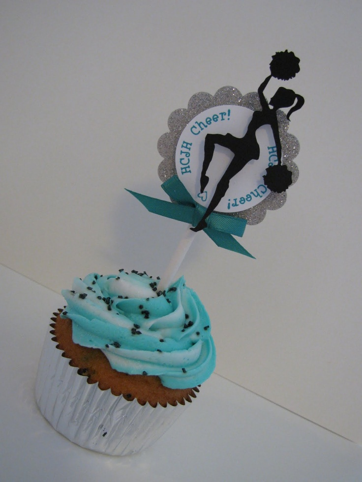 Cheer cupcakes 2