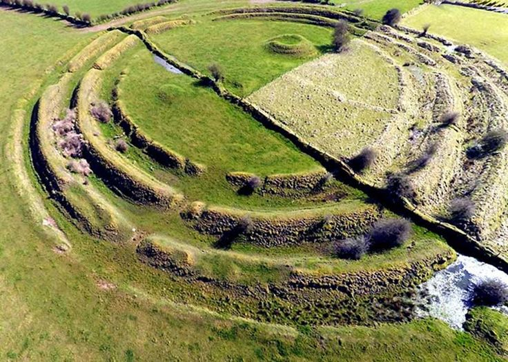 Where the #Fairies Dwell: #Irish Ringforts in Our World and Theirs