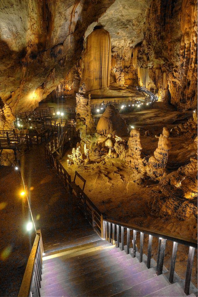 Paradise cave, Vietnam                                                                                                                                                                                 More