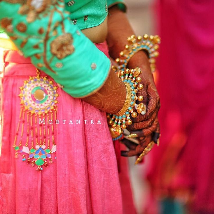 'The Mortantra quirky bride'  She always loved to play with colors. Be it her color-books as a little girl or while playing dress up. When she grew a little older she loved to mix and match her favourite colors take her mom's favrourite duppatta  match it with her t-shirt and drape it into a beautiful saree.. She was the girl who loved vibrance :) She grew up to this big day. Everyone suggested her with all kinds of jewellery ideas flowers gota and every other trend that the world followed…