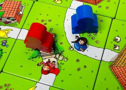 Carcassonne Junior Categorías.:Juegos de tablero, Juegos de mesa para niños, Juegos familiares, Niños, Juegos de mesa Edad: de 6 a 8 años, Núm. jugadores: 2, 3, 4 Tiempo de juego: 20' http://juegoenlamesa.blogspot.com.es/2012/12/resena-carcassonne-junior.html