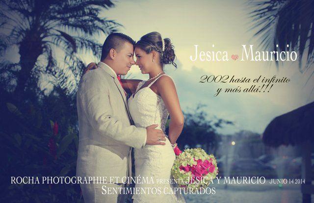 Like en Facebook:: http://on.fb.me/1ljwxiz Síguenos en Twitter: http://bit.ly/1mq4toE Síguenos en Goolge +: http://bit.ly/VIf5YE Nuestro Blog: www.rochafotografia.com. En el Centro de Eventos La Reserva, Jessica y Mauricio celebraron este día tan especial rodeados de familiares y amigos. Nuestra labor, como siempre; capturar los sentimientos y los instantes más importantes de este matrimonio campestre. Gracias a esta hermosa pareja por hacernos parte de sus vidas … ...
