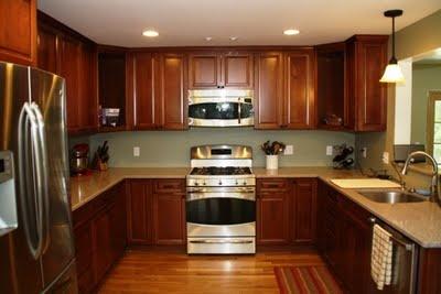 Kraftmaid maple cabinets in chestnut kitchen ideas for Chestnut kitchen cabinets