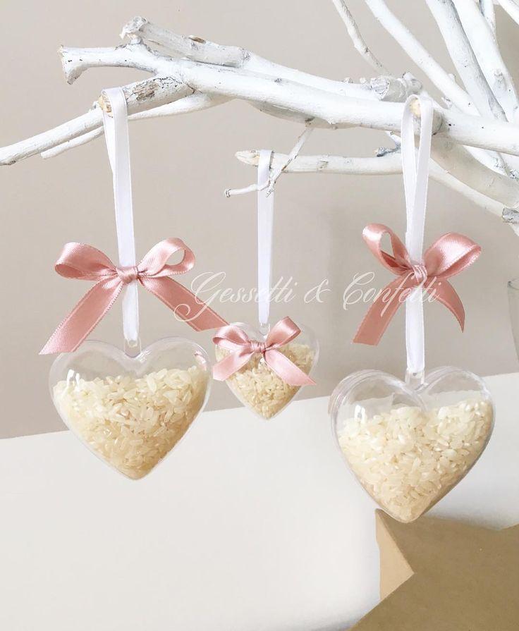 ⛪️  ✨ Romantici cuori porta riso ✨ ⛪️  #amore #decor #evento #fattoamano #gessettieconfetti #handmade #instamamme #sposi #matrimonio #wedding #weddingday #oggisposi #wedding2016 #riso #portariso #coni #cuori #heart #womom #womoms #womoms_official #thewomoms #the_womoms #mamme #mavie #maviepuntoit