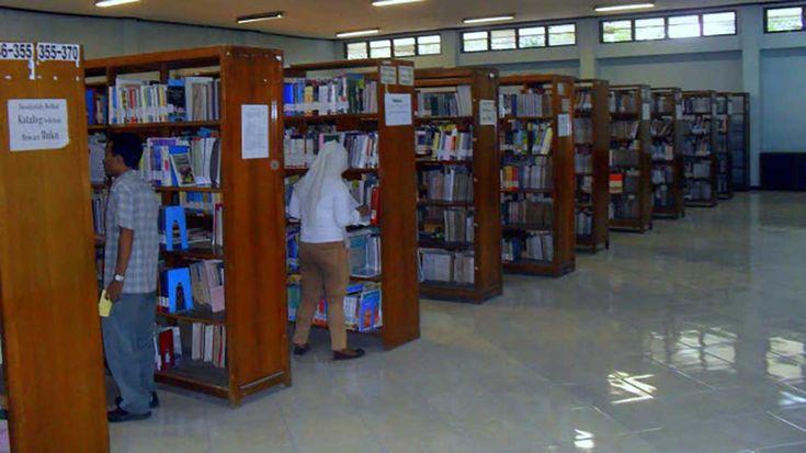 Tambahan Jam Operasional Perpus Sekolah Guna Optimalkan Budaya Membaca http://malangtoday.net/wp-content/uploads/2017/01/PERPUS.jpg MALANGTODAY.NET – Kurangnya kesadaran akan pentingnya membaca masih saja berkelindan dalam lingkup masyarakat di negeri ini. Berbagai macam upaya dilakukan untuk mengoptimalkan budaya membaca. Mulai dari pembentukan komunitas-komunitas pecinta literasi, pembangunan rumah baca, hingga ... http://malangtoday.net/flash/nasional/tambahan-jam-