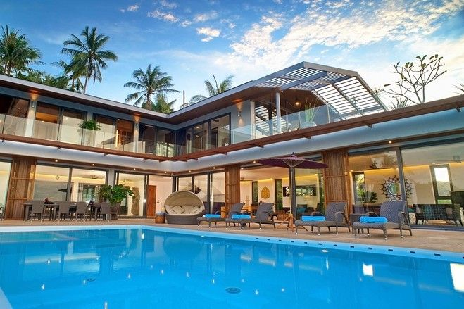 This three-level villa on Koh Samui, Thailand, comes with a panoramic ocean view, an infinity pool and a private white-sand balcony. (Source: Rang Jiraphol)