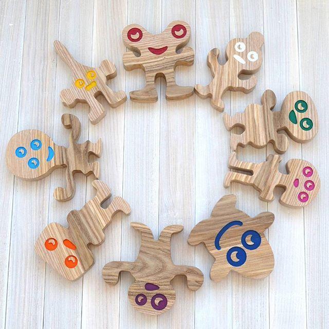 Забавные монстры. У них причудливые вид и у каждого свой характер. При желании, их можно использовать как пирамидку-балансир 😉  Изделия мастерской доступны по тегу #mastermiklim  Заказ и консультация Direct, Viber, WhatsApp +79613178356  #деревянныеигрушки #развитиеребенка #развивашки #дети #экоигрушка #моторика #развитиемоторики #учимцвета #игрушкииздерева #развивающиеигрушки #игрушкиручнойработы #детям #игрушки #дерево #wood #монстр #монстры