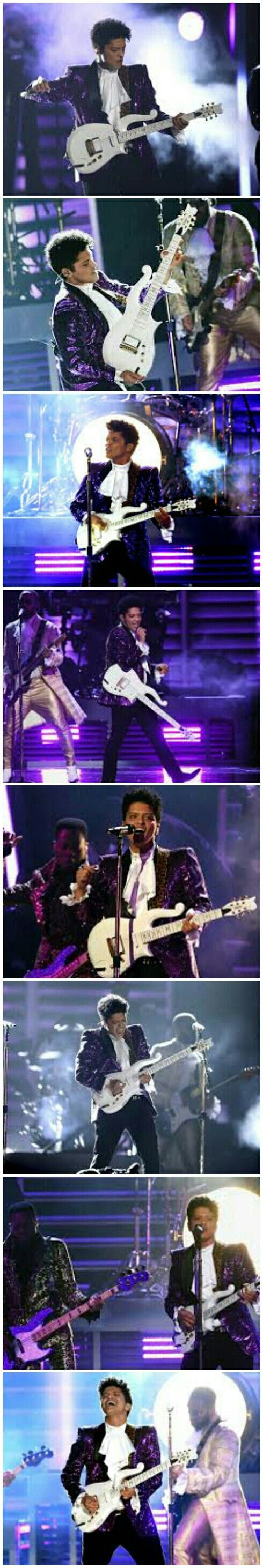 2017 Grammys, Bruno Mars tributed the late singer Prince. Good job!