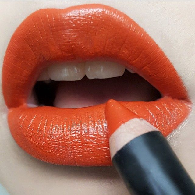 Lipstick Pen Tangelo. Makeup by talented makeup artist @rita_milia   #makeupstore #makeupartist #mua #lipstick #lips #redlips #rougealevre #levres #lippen #lippenstift #labios #labial #beauty #cosmetics #inspiration #makeup #makeupart