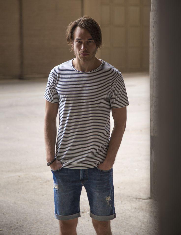 RVLT - men's fashion. A cotton t-shirt with a classic RVLT stripe - slim fit.