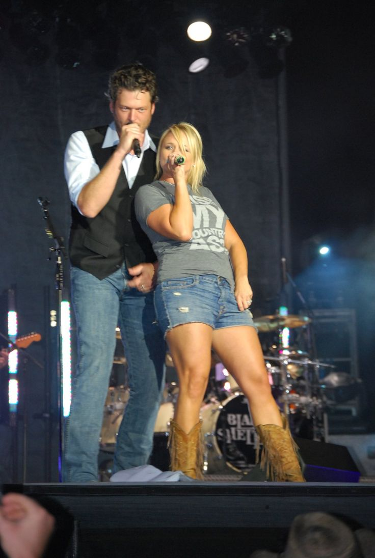 Blake Shelton and Miranda Lambert... So cute!