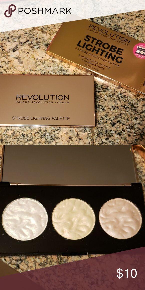 Revolution strobe lightning highlighter palette Brand new
