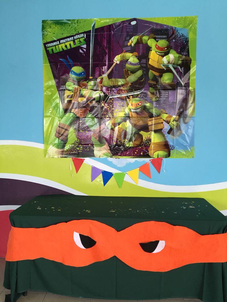 Tenage mutant ninja Turtles Center tables, Tenage mutant ninja Turtles helium balloons, tortugas ninja centros de mesa, ideas para decorar fiestas de tortugas ninja