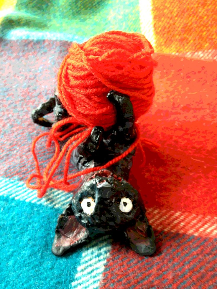 Have been drawing yarn for the cat called Thunder. Here is a little Thunder kitten model made of paper clay. #illo52weeks #cornishrex #thunderstormdancing