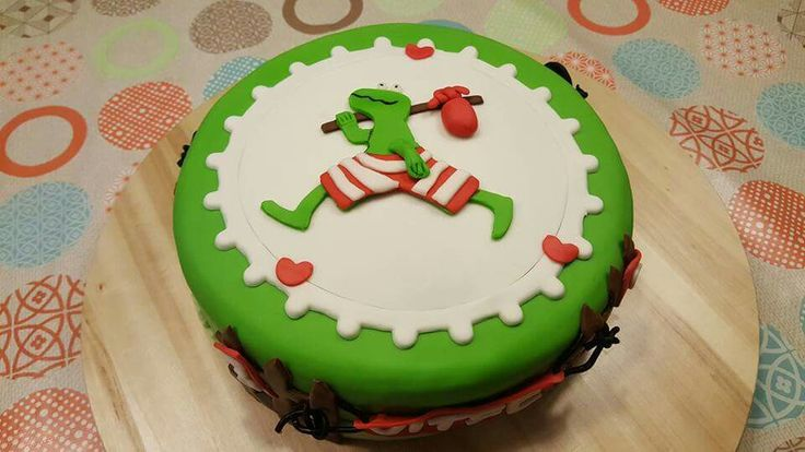 Fondant taart kikker Max Velthuijs. Met vlinder, vogel en slak