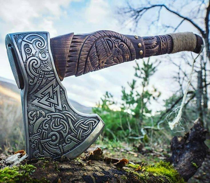 Рисунки викингов на топорах