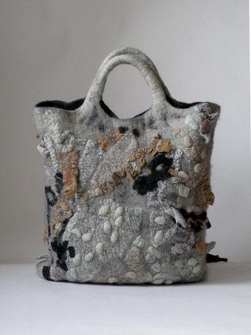 Leila Abdullayeva: Nuno Felt, Bags Inspiration, Felt Bags, Beautiful Felt, Felt Pur, Beautiful Bags, Bags Handles Inspiration, Felt Crafts Bags, Felt Awesome Handbags