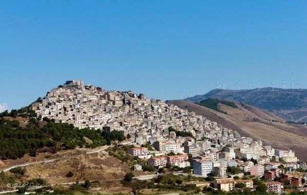 #Gangi - ph. Guido Antonio Sorano   #Sicily #borghipiubelliditalia   It is a little gem, rich of history and traditions, that has its origins in the mythical city of Engyon, which, according to the legend, was founded by the Cretans near the homonymous water source.