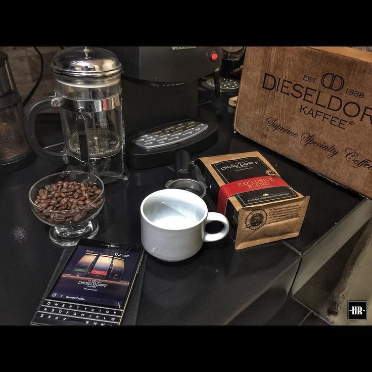 #inst10 #ReGram @________hr________: #dieseldorff #coban #frenchpress #blackcoffee #blackberry #coffee  #cafédeguatemala  #lovecoffe #coffeeshop #coffeelovers  #cafetime  #coffee #capuccino  #instagram #instagood #cafegt #chapin  #BlackBerryClubs #BlackBerryPhotos #BBer #RIM #QWERTY #Keyboard #BlackBerryPassport