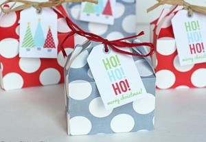 Decorate your home for your holiday party with these DIYs!: DIY Party Favor…