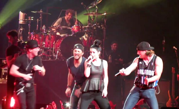 Luke Bryan, Florida Georgia Line & Thompson Square perform together (watch!)