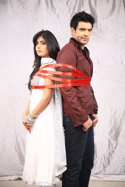 are arjun and arohi dating in real life