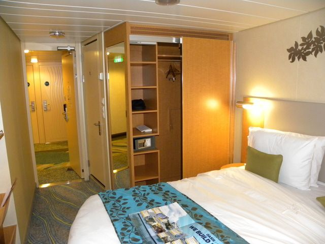 Sleeping on the royal caribbean oasis of the seas cruise ship