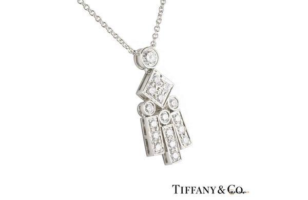 Great platinum necklace by Tiffany & Co., Legacy Diamond Set Pendant in Platinum, bridal jewelry, bride, Braut, Halkette, Diamantschmuck, Hochzeit