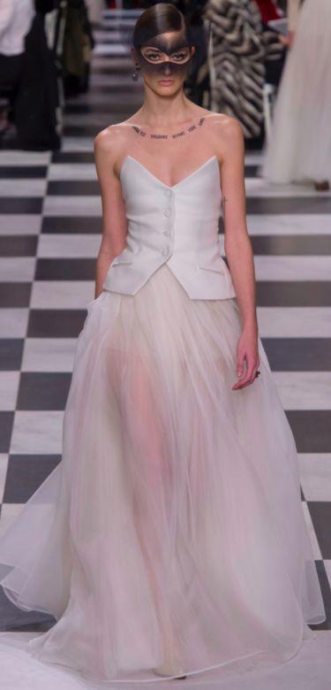Christian Dior white evening dress for Oscars 2018 red carpet