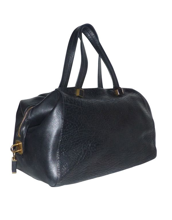 Dépôt vente en ligne des grandes marques de luxe d'occasion. Luxury consignment boutique online. Le Clic Chic pour un Shopping Luxe.
