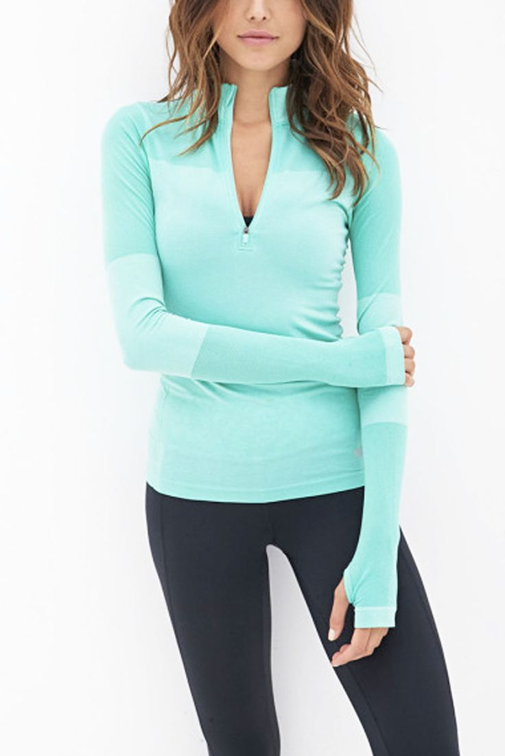 What to Wear to the Gym: Bright Blue Fitted Pullover, Leggings
