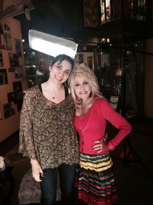 3 Lies About Dolly Parton That Dolly Parton Thinks Are Hilarious