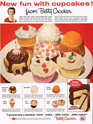 Cute vintage ad for Betty Crocker that shows how to decorate cupcakes.
