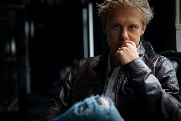 Армин ван Бюрен (Armin van Buuren) — I Need You