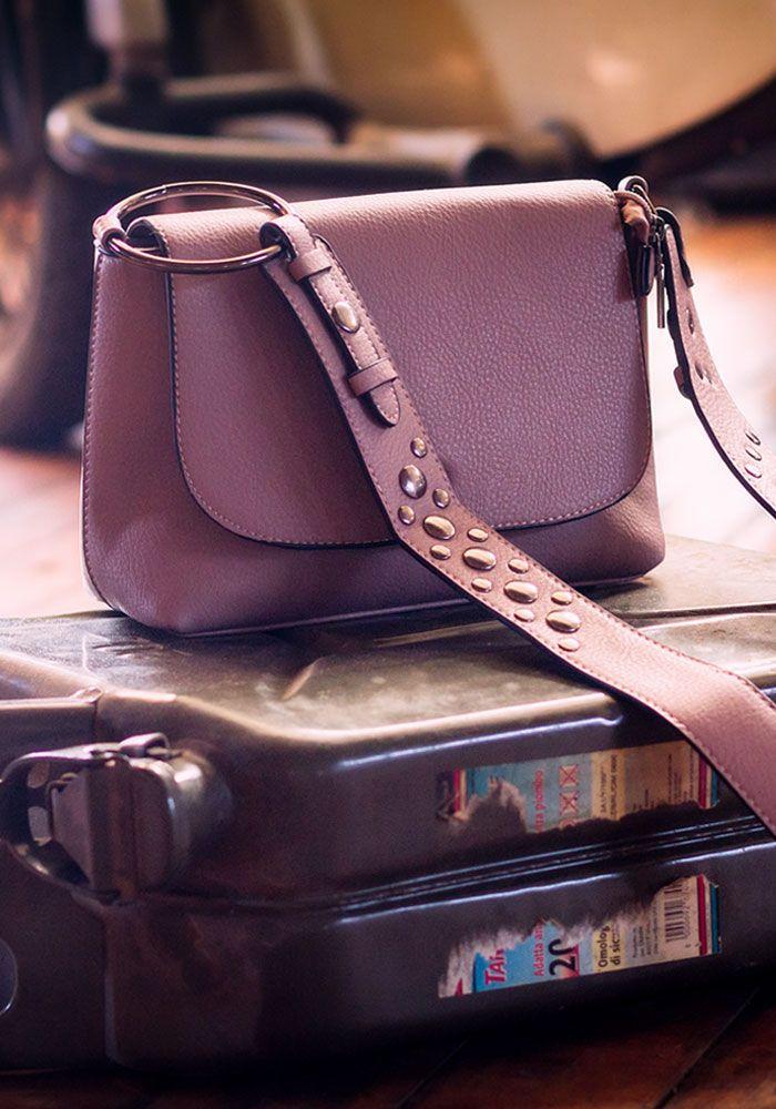 Τσάντα ώμου με κρίκο