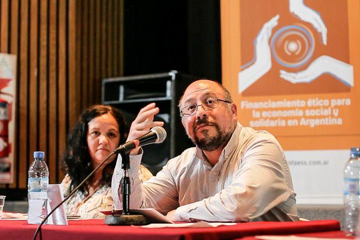 Fabio Quetglas junto a Paula Franco (Nuestras Huellas/Profaess) abren debate sobre los posibles tomadores de crédito de la ESyS.
