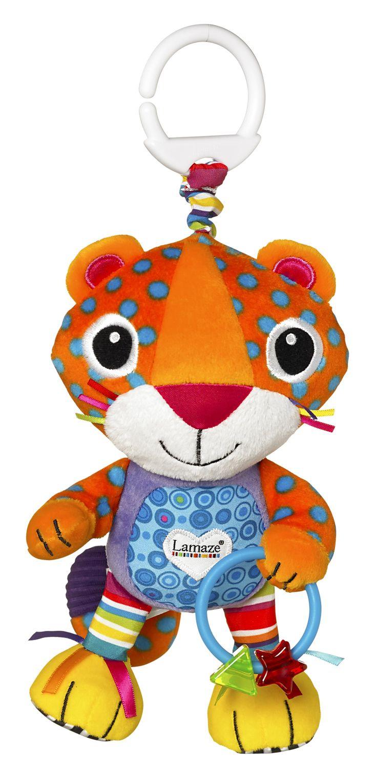 Lamaze Quint Spint van TOMY is een leuke kleurrijke Luipaard met felle kleuren en interessante texturen en linten voor je baby om te ontdekken. Draai hem heen en weer om hem te horen spinnen. Baby kan uren spelen met de linten en labeltjes en kan kauwen op de kralenring. Inclusief een handige klip voor onderweg! Alle speeltjes van Lamaze zijn speciaal ontwikkelt voor het aanmoedigen van de ontwikkeling van baby's en de interactie met hun ouders. Het Lamaze Baby & Peuter Ontwikkelings Systeem