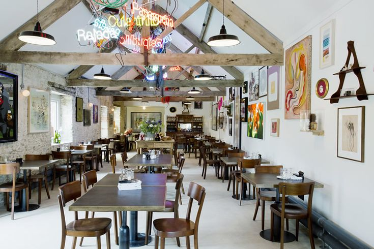 Somerset art space takes gallery dining to the next level... http://www.we-heart.com/2014/08/04/roth-bar-and-grill-at-hauser-and-wirth-somerset/