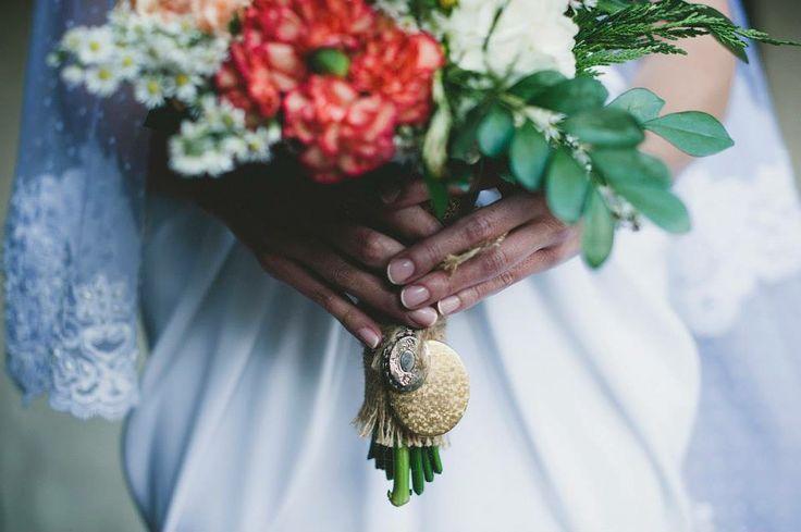 Bouquet vintage, Colombian flowers, traditional bride. Kharisma floral
