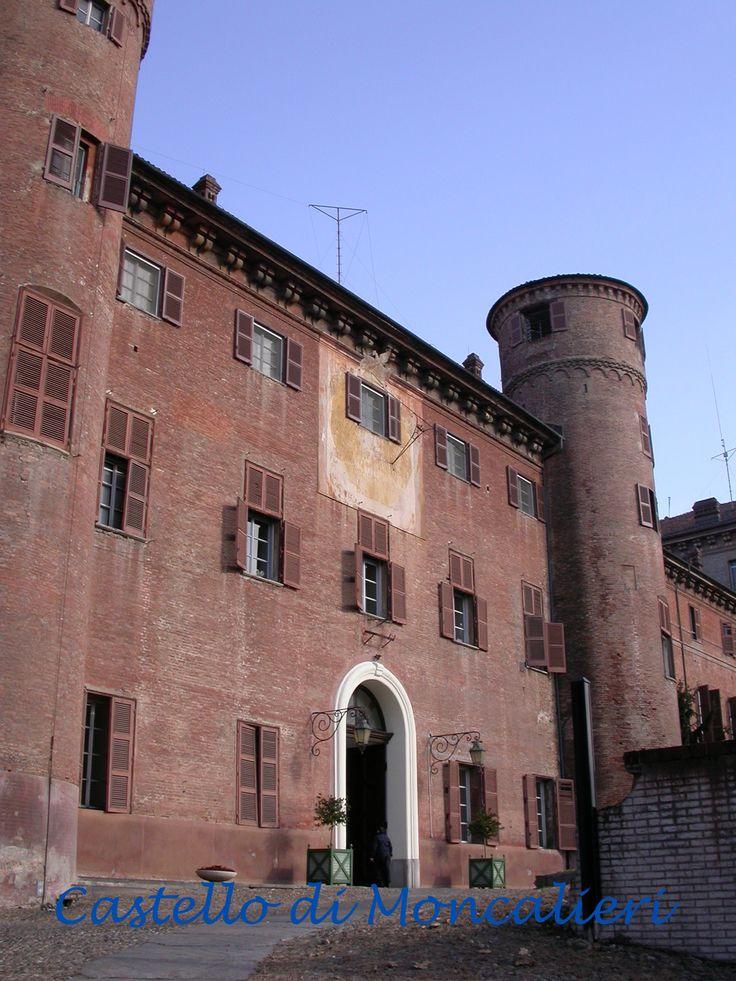 Castello di moncalieri casa savoia pinterest for Castello come piani di casa