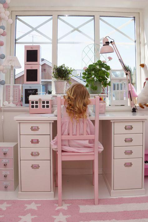 Skrivbord, barnrum, barnerom, kidsroom, flickrum, lorena canals, farmhouseshop, pastel, pastell, annashjartan, molban, ikea stefan, pink