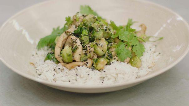 Eén - Dagelijkse kost - Spruitjes in de wok met kip