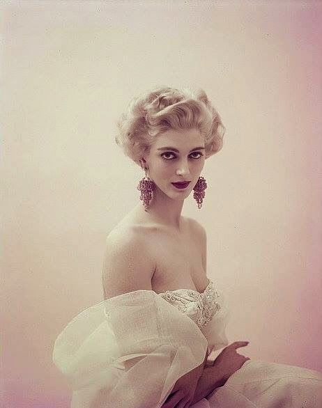 Photo by Milton Greene, february 11, 1954 Carmen Dell'Orefice