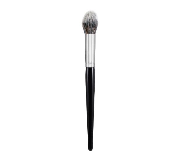 Morphe E48 Mini Pointed Powder brush- can use to blend undereye concealer, highlight, and contour