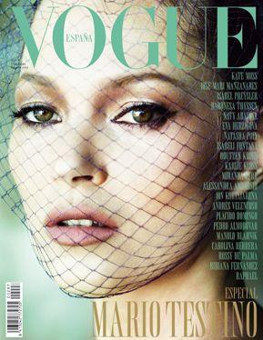 Kate Moss protagoniza la portada del número de diciembre, en el que Mario Testino ejerce de director invitado.
