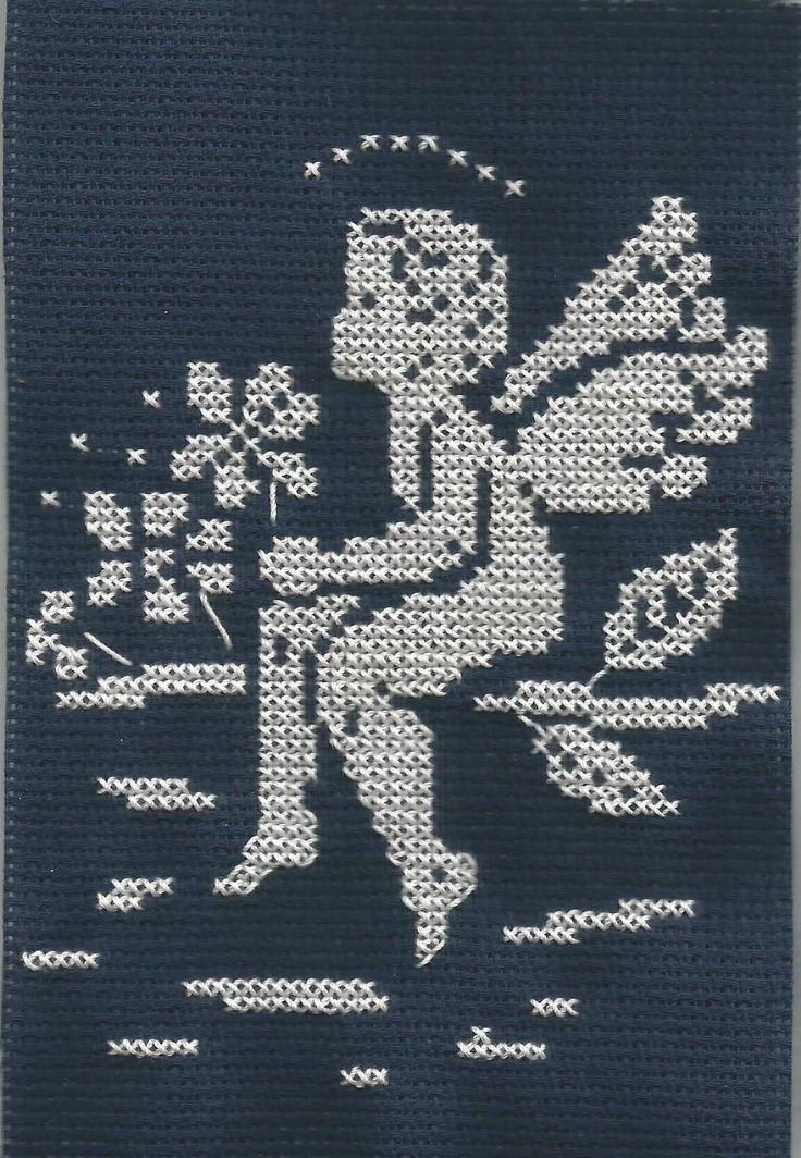`haft krzyżykowy - aniołek