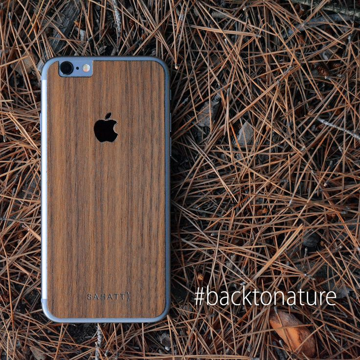 #backtonature. Funda de madera para iPhone WALNUT. Madera natural de nogal americano cortada a medida para tu Mac. Cada unidad es diferente, personal y única. WALNUT iPhone natural wooden cover for #iPhone4 #iPhone4s #iPhone5 #iPhone5s #iPhone6 #iPhone6s #iPhone6splus #iPhone6plus Every cover is original and every cover is different, get your sahatt style whit these covers.