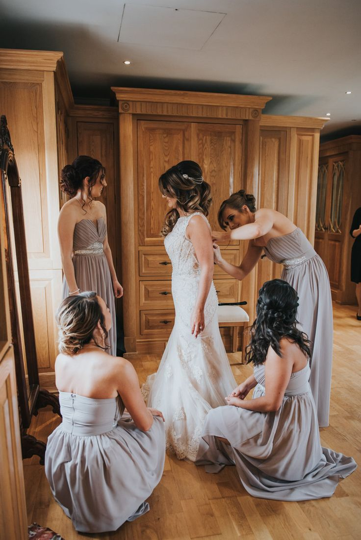 Wedding photo idea - Bride and bridesmaids | Wedding Photographer Birmingham | England | Rosie Kelly Photography